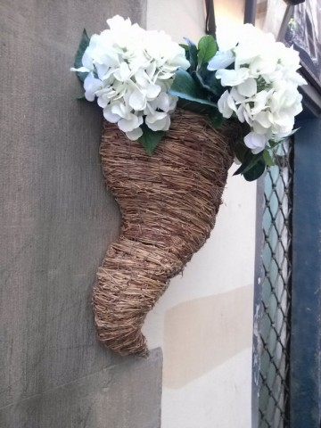Arranged flowers on the wall